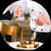 chef professionale prepara piatto di alta cucina